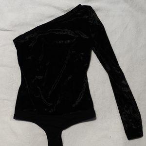 NWT One Sleeve Bebe Velvet Body Suit
